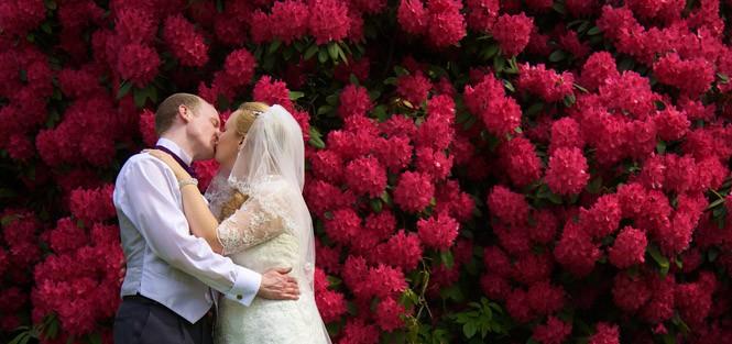 wedding photography grappenhall heys walled garden